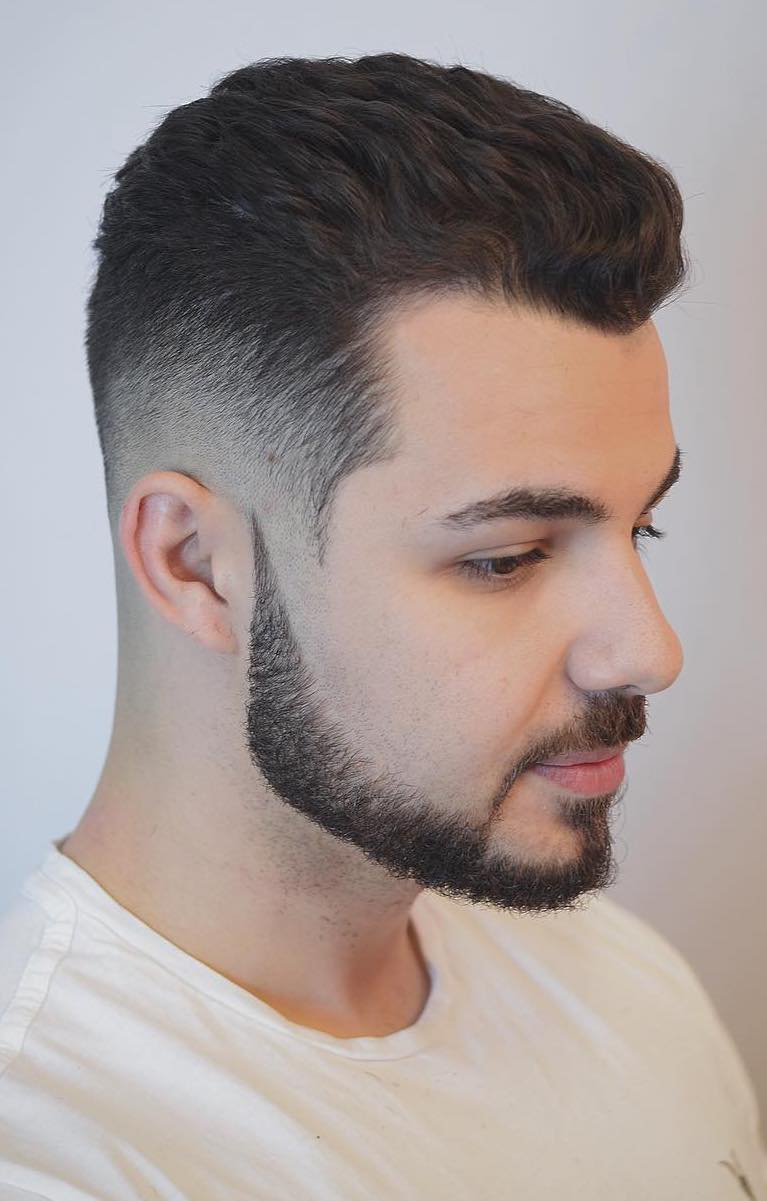 40+ Hairstyles for Men with Wavy Hair