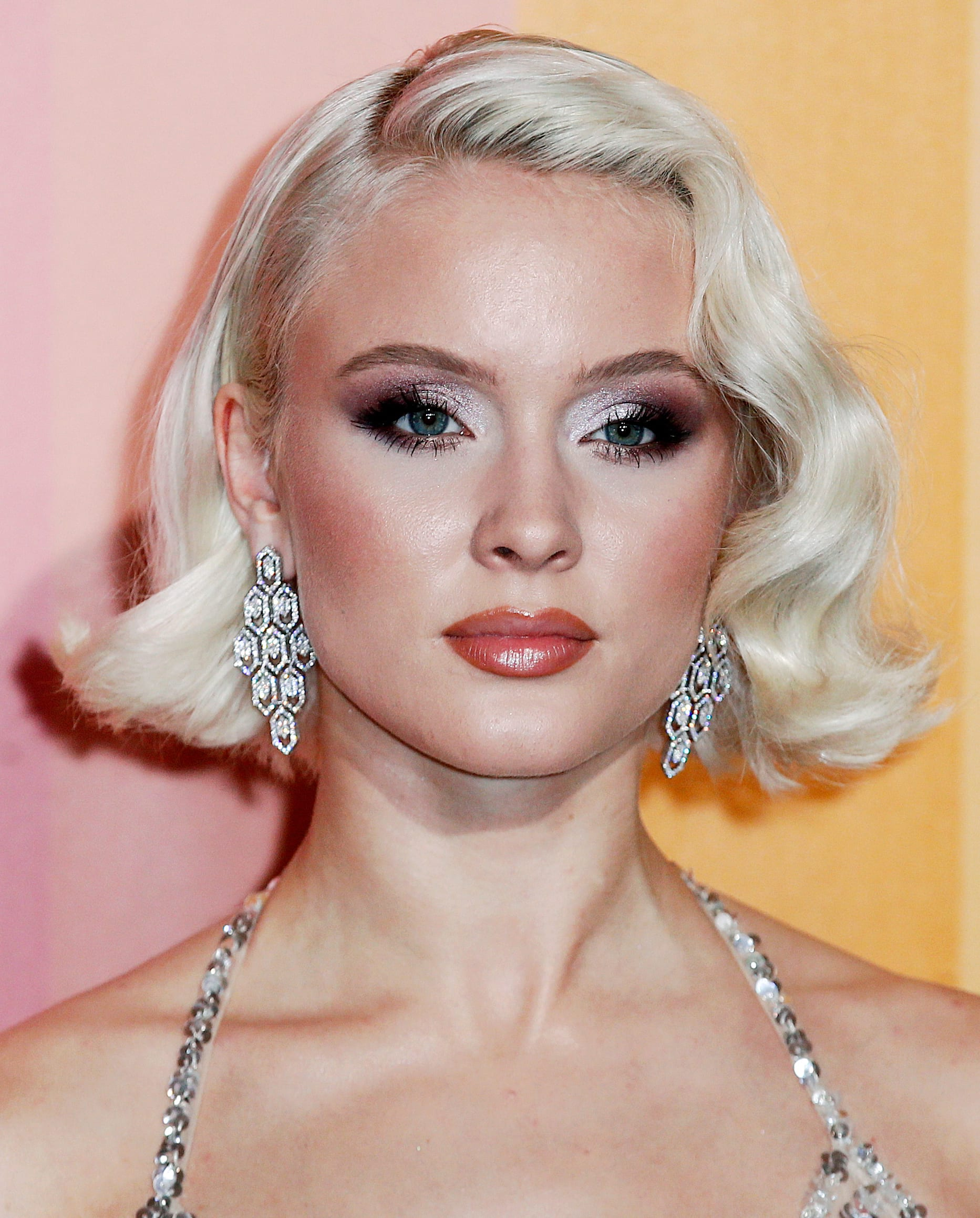 Zara Larson's Platinum Blonde Bob