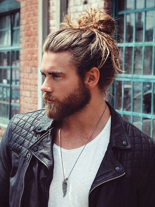 full man bun e1535450932577