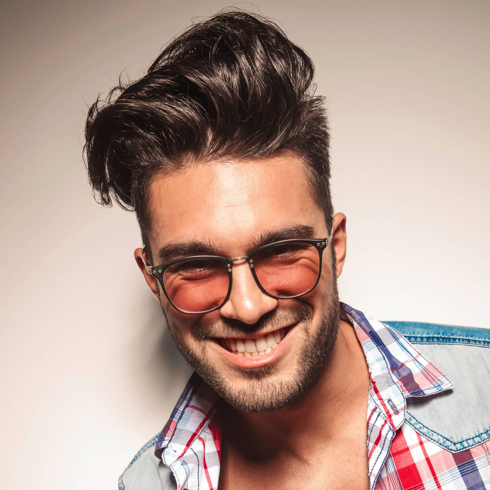 haircut for men with glasses - square